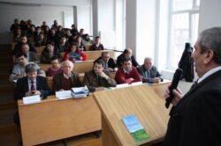 Elevi, profesori si specialisti au discutat despre protectia mediului in Bihor