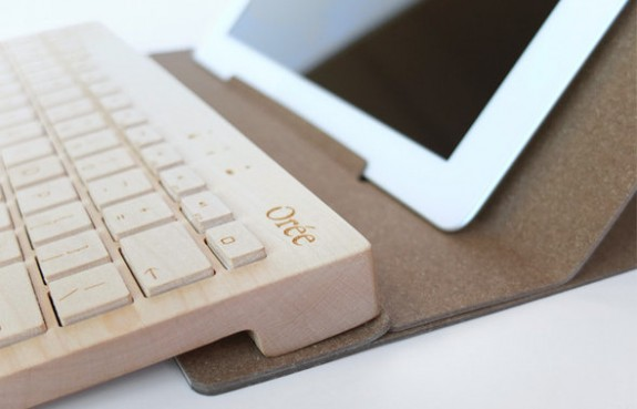 Tastatura wireless din lemn sculptat