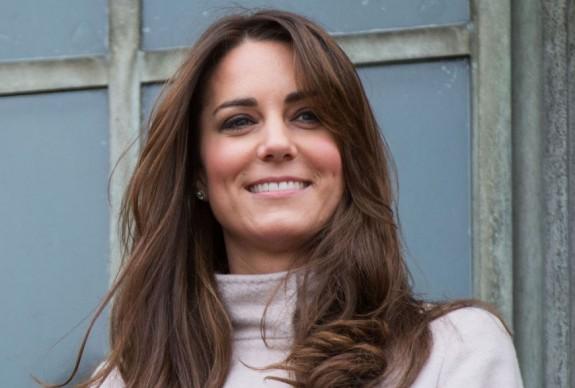 Ducesa de Cambridge planteaza copaci, desi e insarcinata