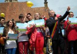 Premiile Iubesc Clujul Curat 2013. Emil Boc i-a premiat pe cei mai ecologisti elevi