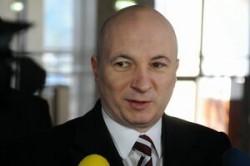 Codrin Stefanescu critica propunerea privind amendarea celor care hranesc cainii comunitari
