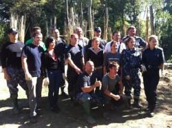 """Jandarmii ajuta la construirea """"Satului de Lut"""" din Pomi, judetul Satu Mare"""