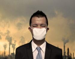 Smogul blocheaza un oras de 11 milioane de locuitori din China. Vizibilitatea a scazut sub 10 metri