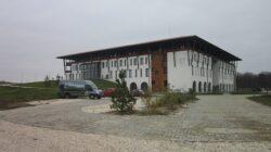 Casa Vlasia, primul sistem ecorezidential din Romania, si-a deschis portile
