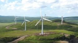 """Eolienele nu se mai opresc: 2.500 de megawati """"verzi"""" pe litoral"""