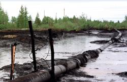 O sonda din zona Balteni a refulat azi noapte o cantitate de 5.000 de litri de petrol