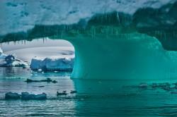 Lumea ascunsa de sub calota glaciara: canioane si munti uriasi, descoperiti de cercetatori