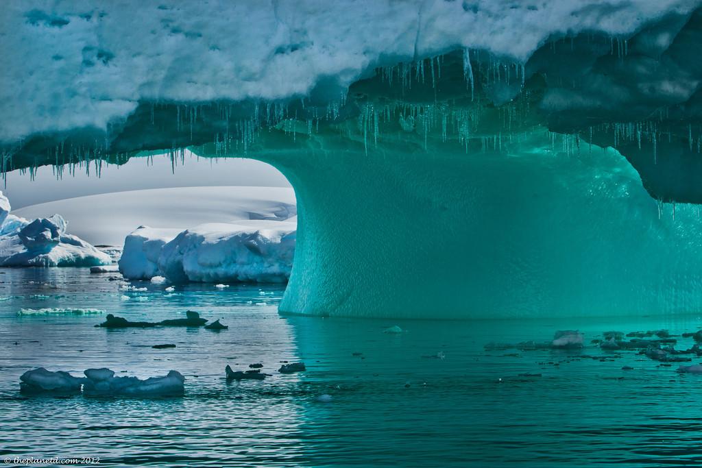 Lumea ascunsa de sub calota glaciara