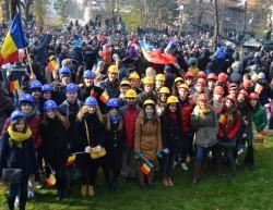 Echipa EFdeN: Romania se poate dezvolta numai ca efort colectiv