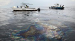 Poluare cu produse petroliere in zona portului Drobeta Turnu Severin