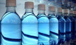 Pericolul din PET-uri. Circa 27% din apa imbuteliata nu e supusa analizelor