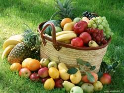 Colecta de fructe si legume pentru saraci