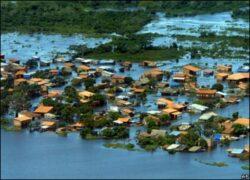 Bolivia decreteaza stare de urgenta, dupa ce ploile au provocat inundatii puternice. Dezastrul a ucis 8 oameni numai intr-o saptamana