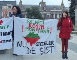Oradenii impotriva exploatarilor cu cianuri la Rosia Montana si a gazelor de sist din Bihor renunta, cel putin deocamdata, la manifestatii
