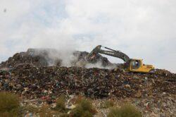 Alunecari de teren pe noua rampa de gunoi a Clujului