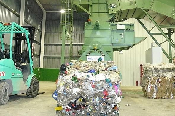 Portul vinde de?euri reciclabile