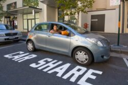 Studiu: La fiecare masina inchiriata prin car-sharing alte 32 nu se vand