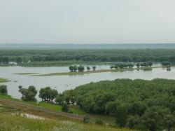 Pericol ecologic in Sudul Moldovei. Unii deputati se eschiveaza si amana dezbaterile
