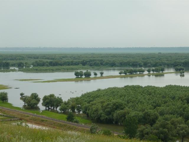 Pericol ecologic în Sudul Moldovei. Unii deputa?i se eschiveaz? ?i amân? dezbaterile
