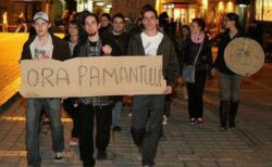 "Primaria Brasov stinge luminile cu ocazia ""Orei Pamantului"""