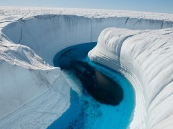 ice-canyon-greenland-balog_26744_990x742