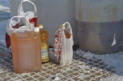 Uleiul alimentar uzat, colectat în fiecare bloc din Arad şi transformat în biocombustibil
