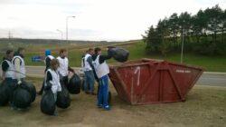 Actiune de ecologizare organizata de tinerii de la Miscarea Populara