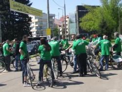 Verzii au pedalat impotriva centralelor nucleare, in campania pentru europarlamentare