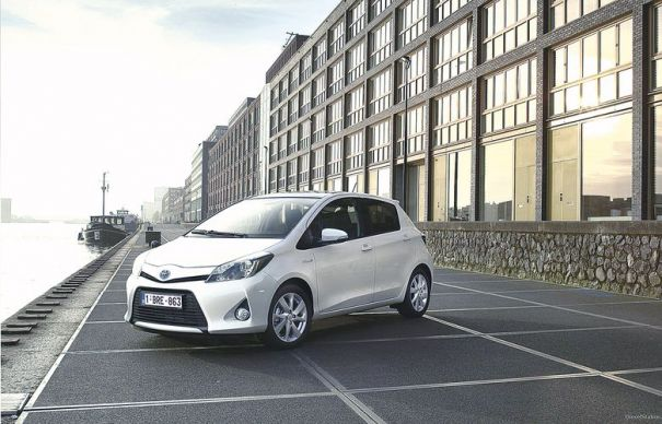 Toyota Yaris, solu?ia nipon? la scumpirea carburan?ilor