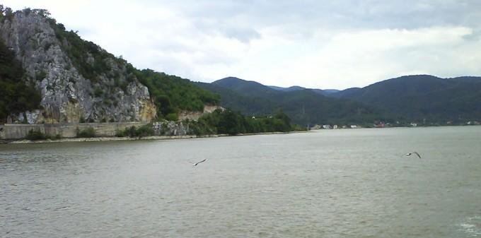 Acţiune de curăţare a Dunării