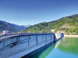 Ploile abundente aduc profit pentru Hidroelectrica si scad poluarea