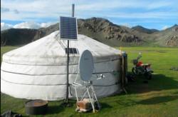 Panourile solare portabile ajuta nomazii din Mongolia sa-si mentina stilul lor de viata traditional.