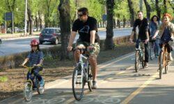 100 kilometri de piste pentru biciclete in Capitala. Primaria are banii, dar nu s-a decis unde sa le amplaseze