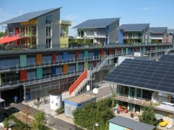 Orasul solar: Produce de patru ori mai multa energie decat consuma