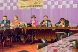 "Sandra Steingraber: ""Democratia si fracking-ul sunt incompatibile"" (video)"