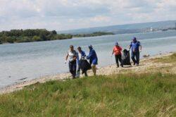 Tone de gunoi adunate de pe malurile Dunarii