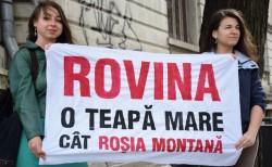 Protestatari, tinuti la poarta simpozionului sponsorizat de companiile miniere