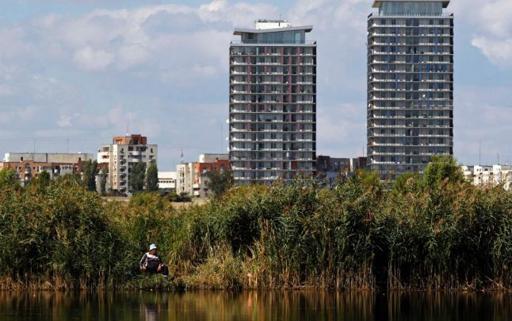 Delta V?c?re?ti, privit? de la etajul 17. Cum s-a transformat lacul lui Ceau?escu în parcul natural urban de ast?zi