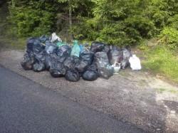 Povestea unui ecologist ANONIM de la Belis. Fiind in vacanta a adunat 60 de saci de deseuri. Ce a urmat e cam TRIST!