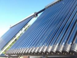 Resursele energetice regenerabile, tot mai populare in Moldova. Oamenii isi confectioneaza panouri solare acasa