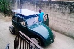 O masina pe energie solara si eoliana asamblata in Nigeria