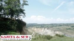 Noi alunecari de teren la Rosia de Amaradia