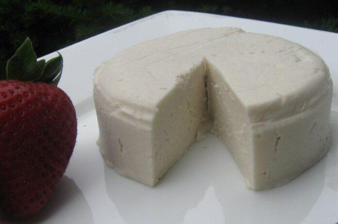 Cercet?torii au descoperit formula pentru brânz? 100% vegan?… cu drojdie