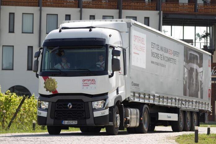 """Renault Trucks a desemnat cel mai eficient ECO-?ofer al concursului """"Optifuel Challenge Romania 2014"""""""