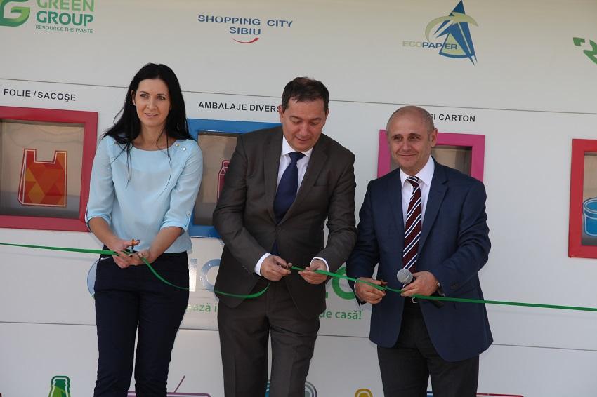 """A ap?rut în Sibiu prima """"sta?ie inteligent?"""" de preluare a de?eurilor: 5 bani PET-ul, 3 bani doza de aluminiu"""