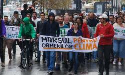 Clujenii au iesit in strada pentru schimbarile climatice