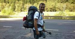 Sandu Popescu calatoreste pe jos de la Ploiesti la Bruxelles, pentru a transmite un mesaj ecologist