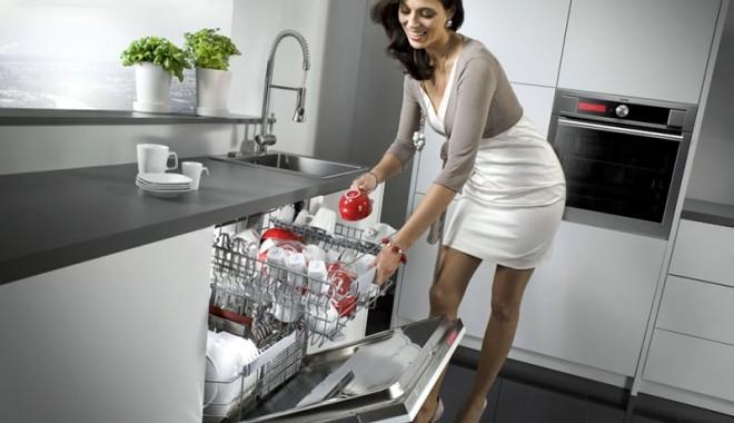 Cât curent electric consum? ma?inile de sp?lat vase