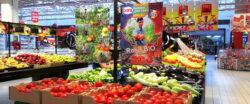 Cora Bacau comercializeaza legume BIO de la Fundatia FARA, patronata de Printul Charles
