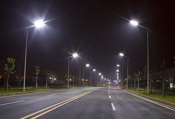 Oradea ar putea deveni primul oras din Romania cu iluminat stradal ecologic